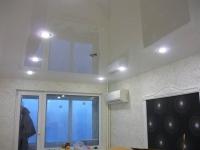 Глянцевые натяжные потолки4